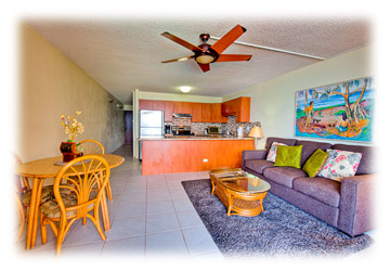 Milowai vacation rental - Kitchen and living area